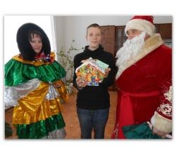 Привітання дітей та молоді з функціональними обмеженнями з Новорічними святами та Різдвом Христовим